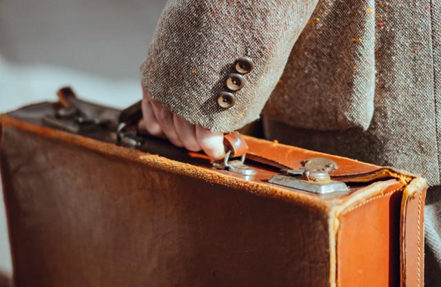 В Чем Разница Между Bring, Carry, Bear, Take, Fetch, Hold: Чем Отличаются И В Каких Случаях Употреблять? - Учим английский вместе